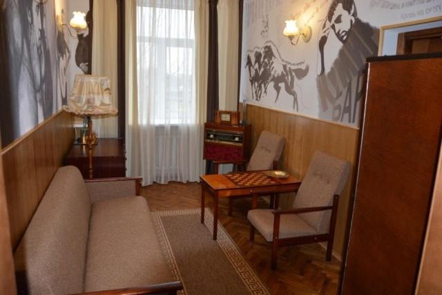 гостиница Буг, гостиничный номер, Высоцкий