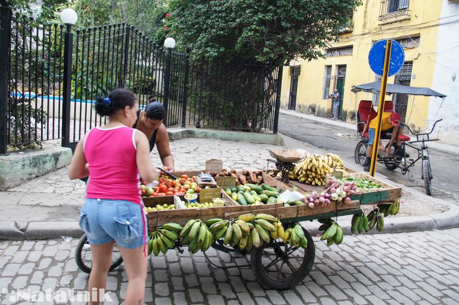 На улице, фрукты, Куба, Остров свободы
