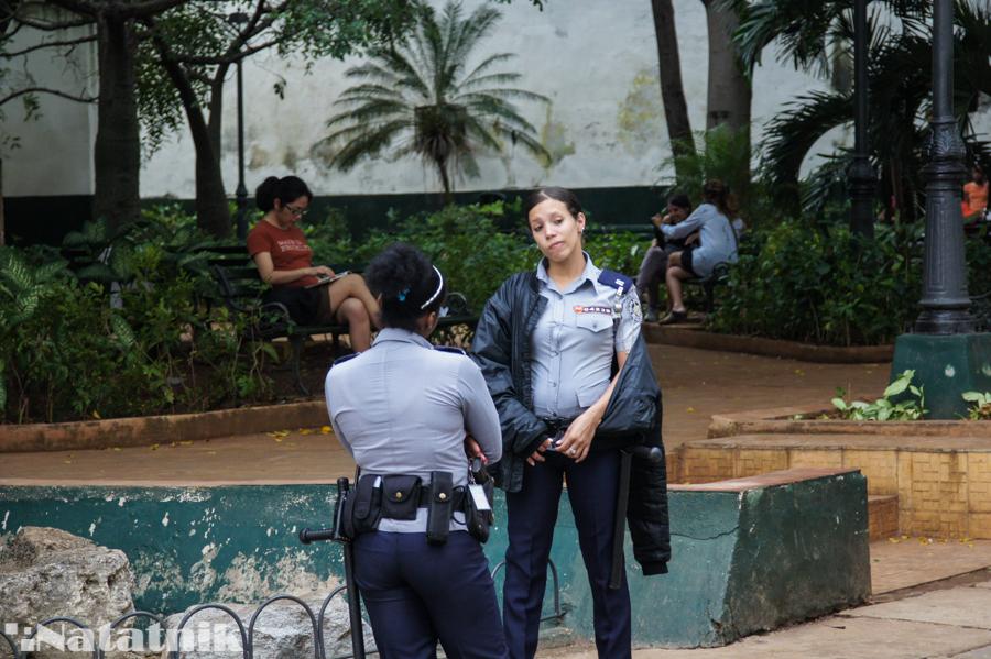 Куба, Остров свободы, полиция