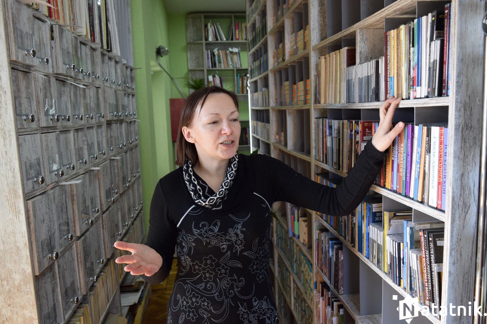 библиотека, коллекция винилов,