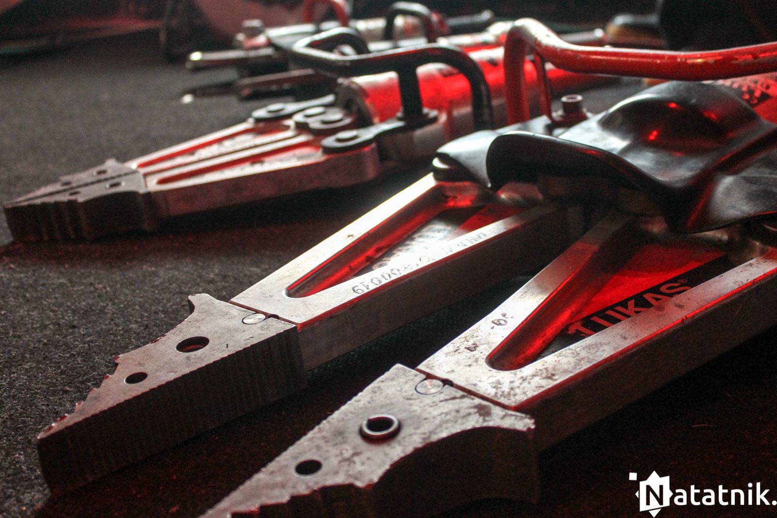 инструменты пожарных